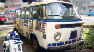 r2-d2-vw-bus-featured-590x330